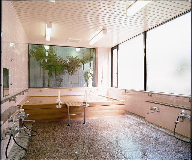 サンビレッジ三鷹(介護付有料老人ホーム)の画像(8)檜風呂