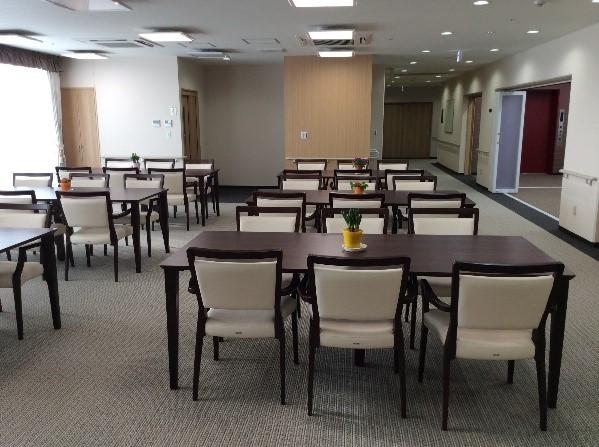 シニアフォレスト横浜戸塚(介護付有料老人ホーム)の画像(2)食堂