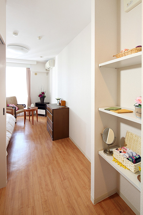 グランダ鶴間・大和(介護付有料老人ホーム(一般型特定施設入居者生活介護))の画像(4)収納棚