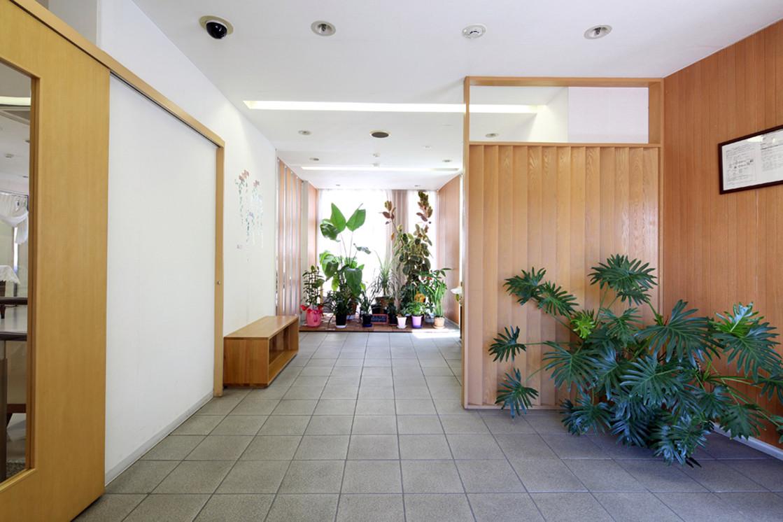 グランダ鶴間・大和(介護付有料老人ホーム(一般型特定施設入居者生活介護))の画像(5)エントランス
