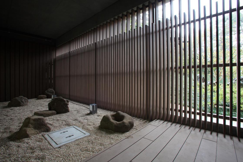 芦花翠風邸(介護付有料老人ホーム(一般型特定施設入居者生活介護))の画像(10)坪庭