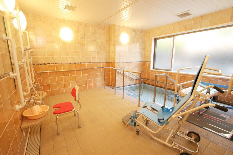 リハビリホームグランダ瀬田(介護付有料老人ホーム(一般型特定施設入居者生活介護))の画像(6)1F 浴室