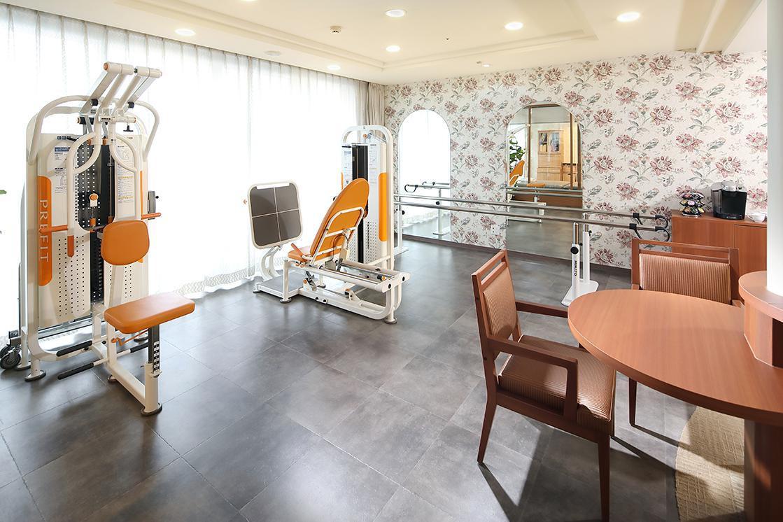 リハビリホームグランダ瀬田(介護付有料老人ホーム(一般型特定施設入居者生活介護))の画像(8)2F 機能訓練室