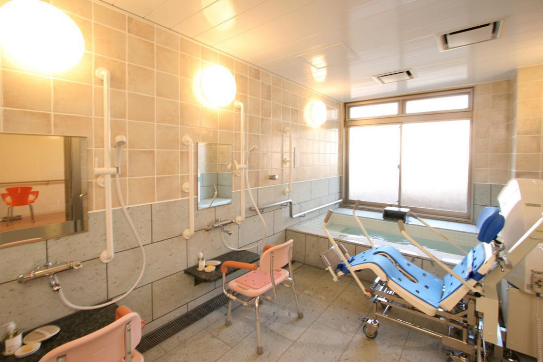 リハビリホームグランダ芦花公園(介護付有料老人ホーム(一般型特定施設入居者生活介護))の画像(9)1F 浴室