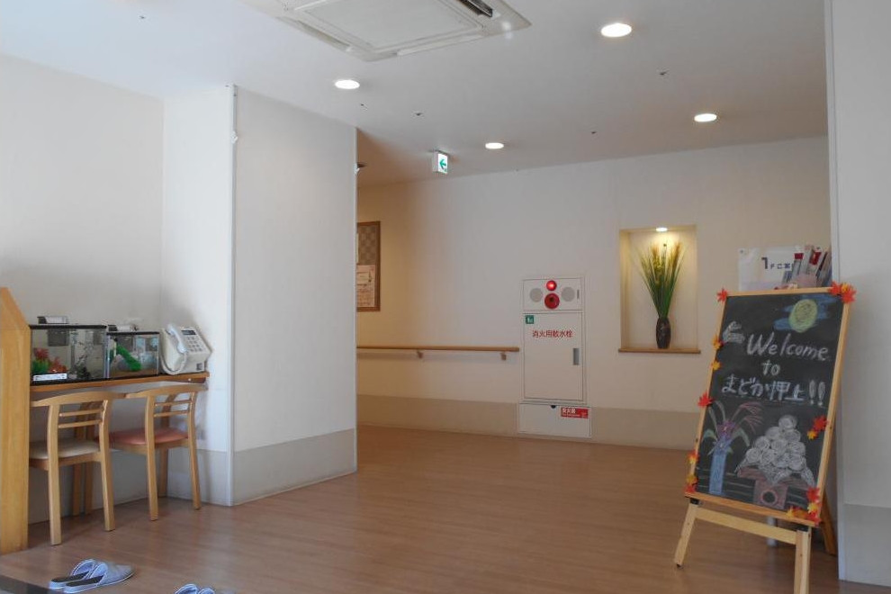 まどか押上(介護付有料老人ホーム(一般型特定施設入居者生活介護))の画像(3)1F エントランス