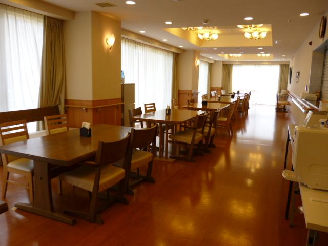 ツクイ・サンシャイン町田西館食堂