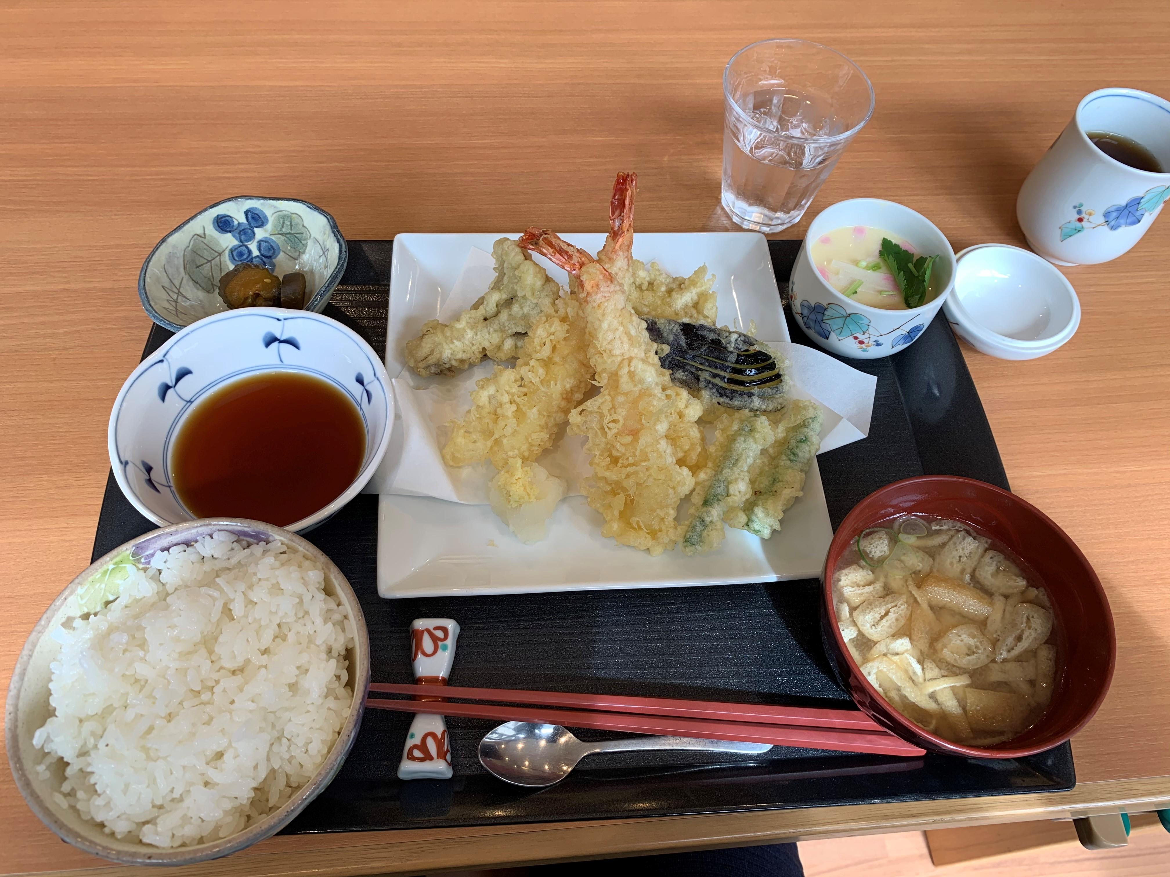グランドマスト横浜浅間町食事