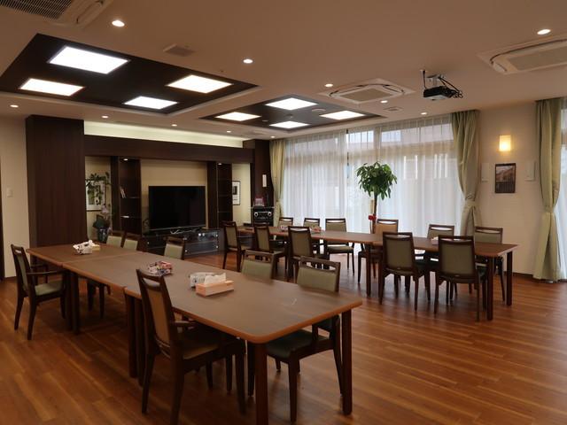 イリーゼ狛江・別邸食堂