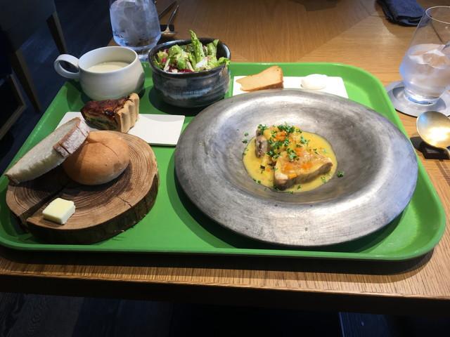 水車の家食事