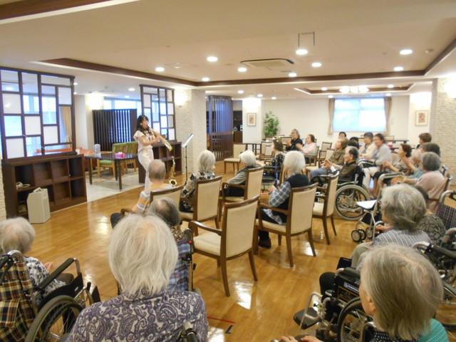 SOMPOケア ラヴィーレ錦糸町コンサート
