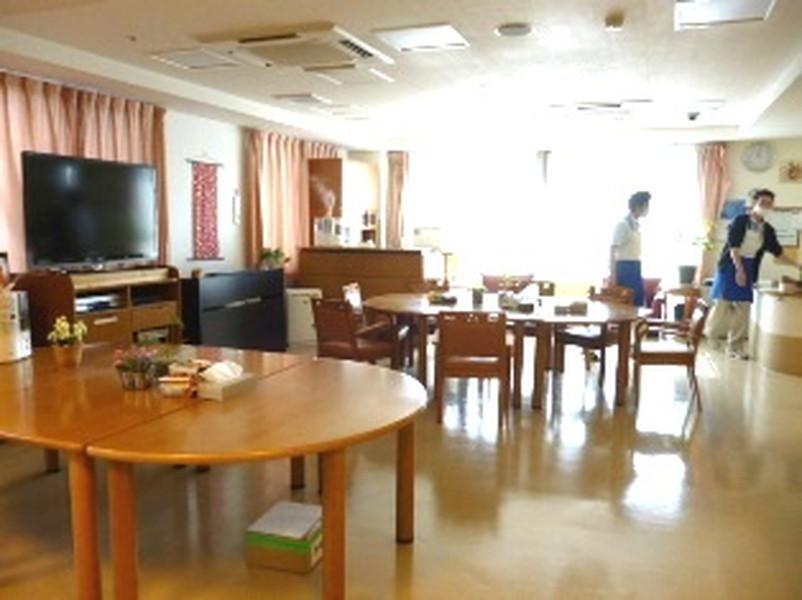 ライフコミューン百合ヶ丘食堂