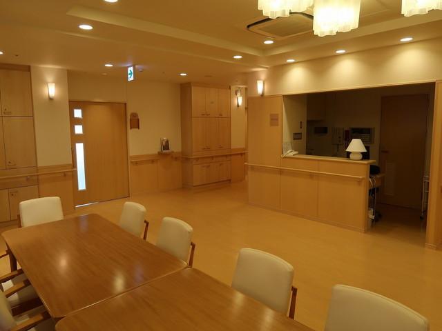総生会ロイヤルホーム食堂